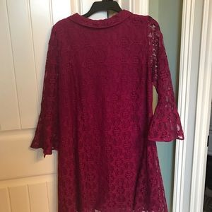Bell sleeve lace dress size Large LIKE NEW